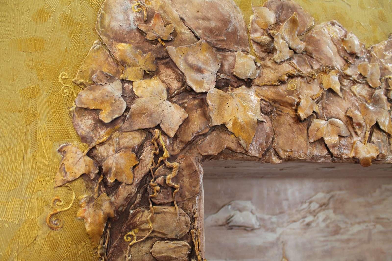 Фрегмент барельефа - виноградные листья