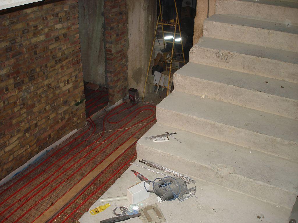 Монтаж теплого пола в коридоре