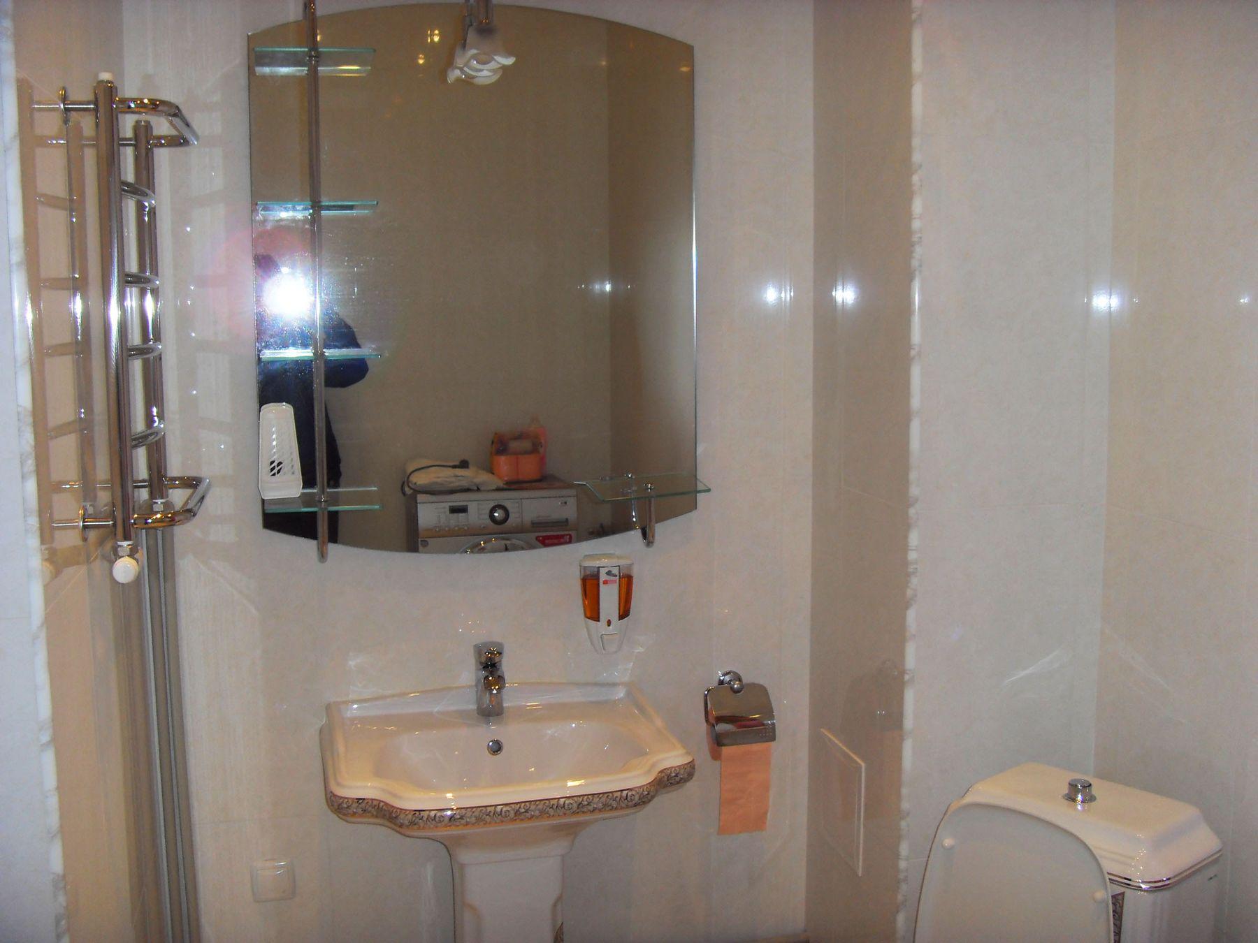 Отделка ванны и установка сантехники