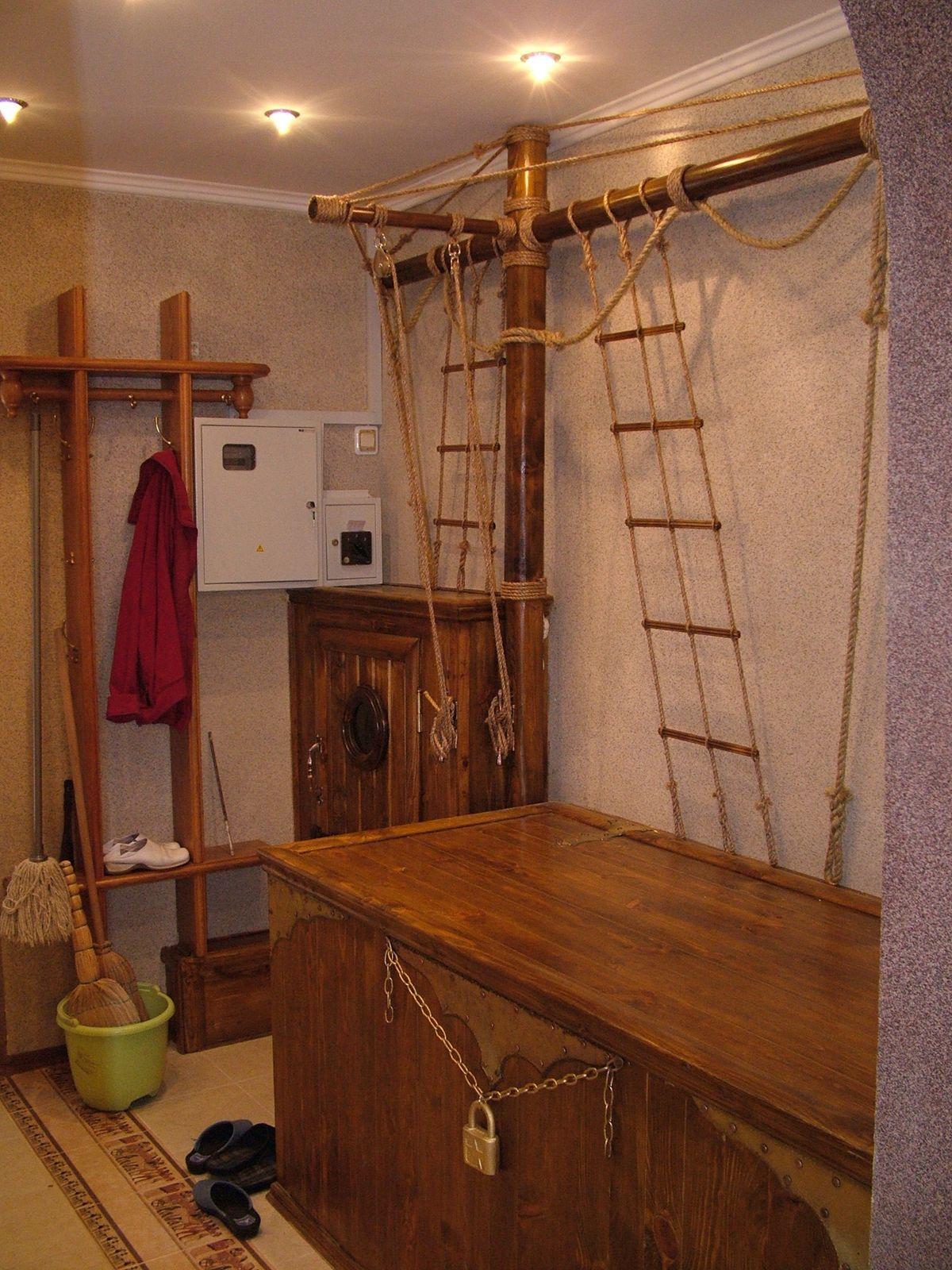 Столярная отделка в помещении.