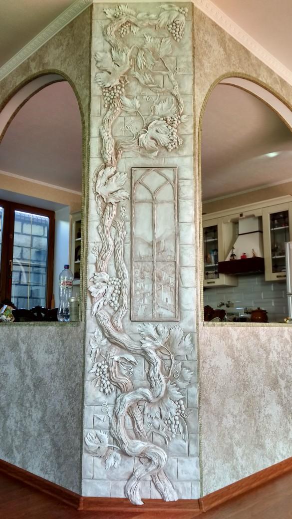 Декоративная ручная лепка на стенах